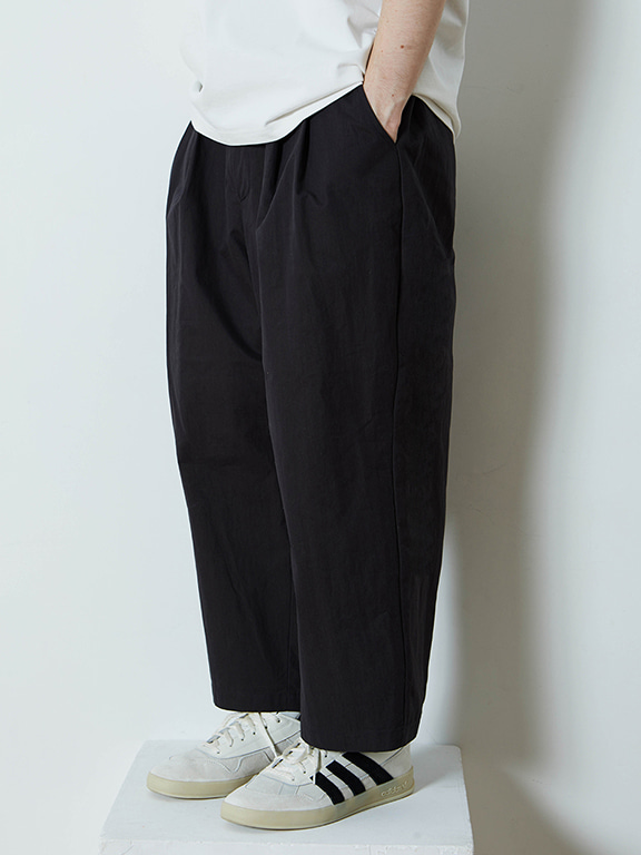 WIDE CHINO PANTS(BLACK)