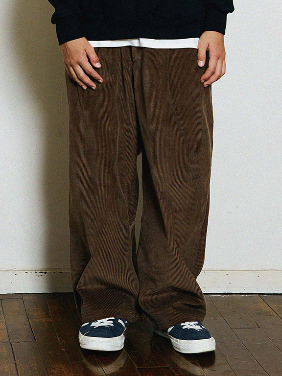 WIDE CORDUROY PANTS(BROWN)