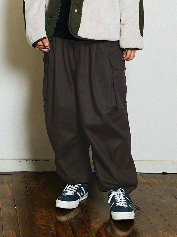 WIDE CARGO PANTS SMOKE(피치기모)